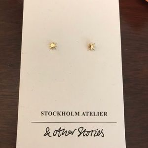 Adorable studs (BUNDLE ONLY) brand new
